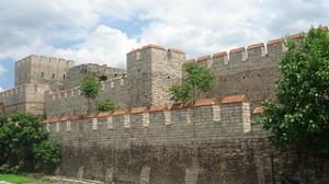 Ziduri constantinopolitane restaurate