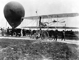 Balon de observație și avion