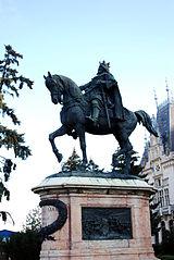 160px-RO_IS_Stefan_cel_Mare_statue_2