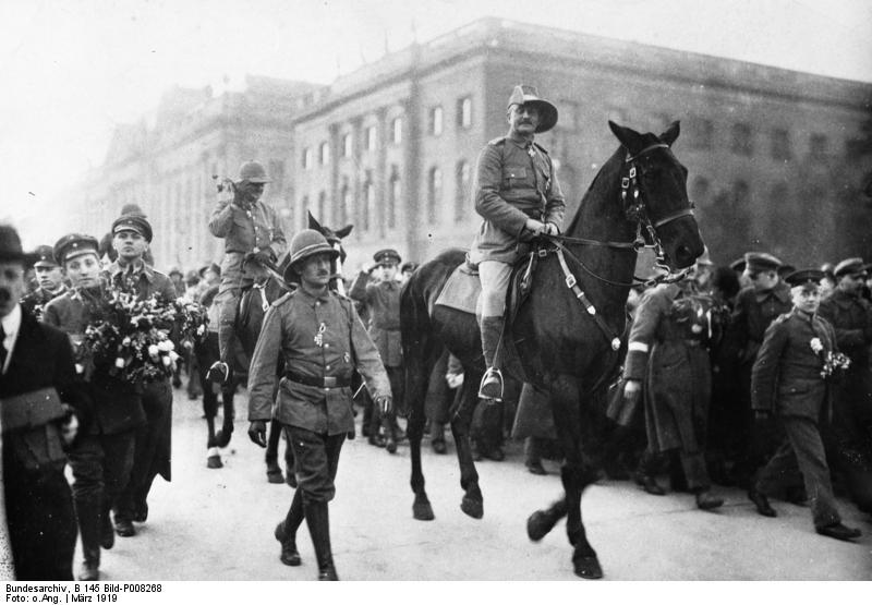 La o paradă în 1919