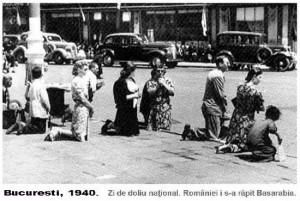 Pe strazile Romaniei cetatenii au ingenungheat pentru Basarabia dupa raptul din iunie 1940