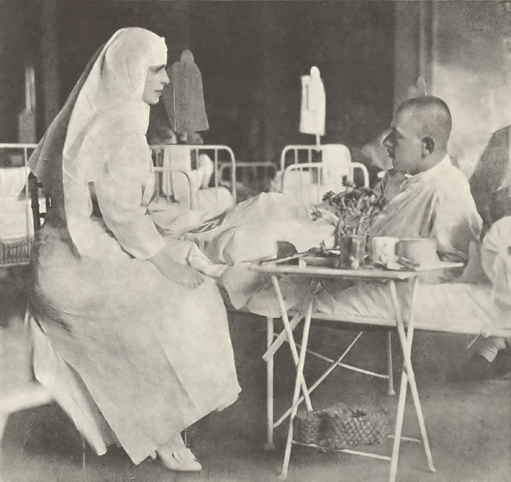 In 1917 la un spital de campanie