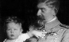Regele Ferdinand și viitorul rege Mihai