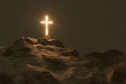 crucea_caraiman_in_noapte