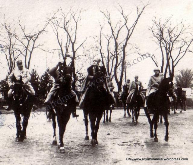 intrarea-in-bucuresti-dec-1918 maria-ferdinand-cu-gen-berthelot