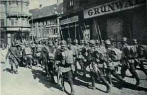 Trupele române ocupând Budapesta