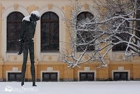 Statuia lui George Bacovia din Bacau